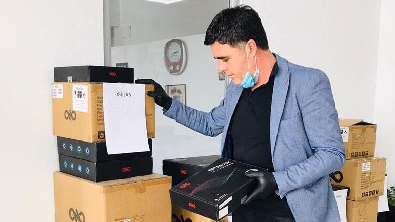 Gjilani pranon laptopë, donacion për shkollat në zonat rurale dhe ato profesionale
