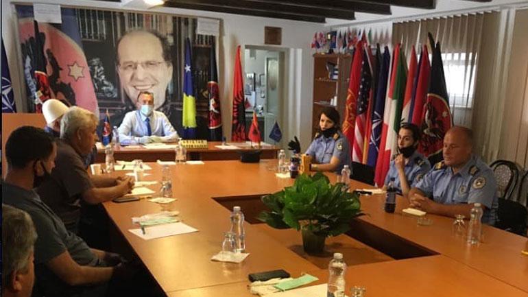 Policia e Kosovës dhe Këshilli i fshatit Llashticë me takim të përbashkët pune