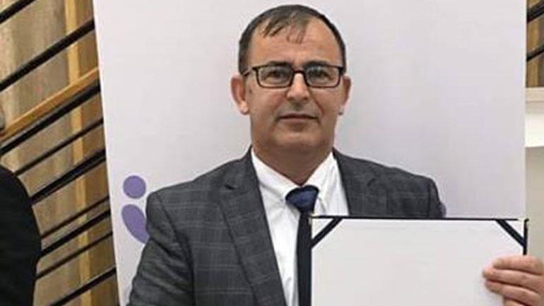 """Berat Dindari merr """"Mirënjohje"""" si nëpunësi më i dalluar i vitit në Komunën e Gjilanit"""