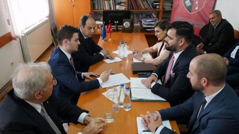 Ministri Cakaj pritet në takim edhe në Këshillin Kombëtar Shqiptar