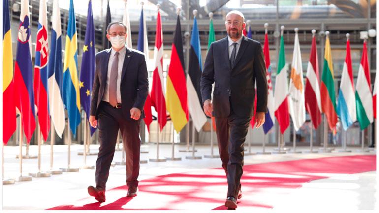 Kryeministri Hoti u takua me presidentin e Këshillit Evropian, Charles Michel