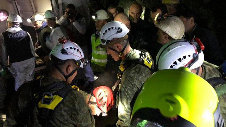 FSK-ja nxjerr trupat e pajetë të minatorëve të minierës së Artanës