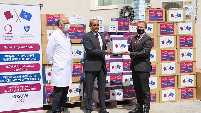 """MSh dhe IKSHPK pranojnë 6500 teste për Covid-19 dhe 6 respiratorë nga """"Qatar Charity"""""""