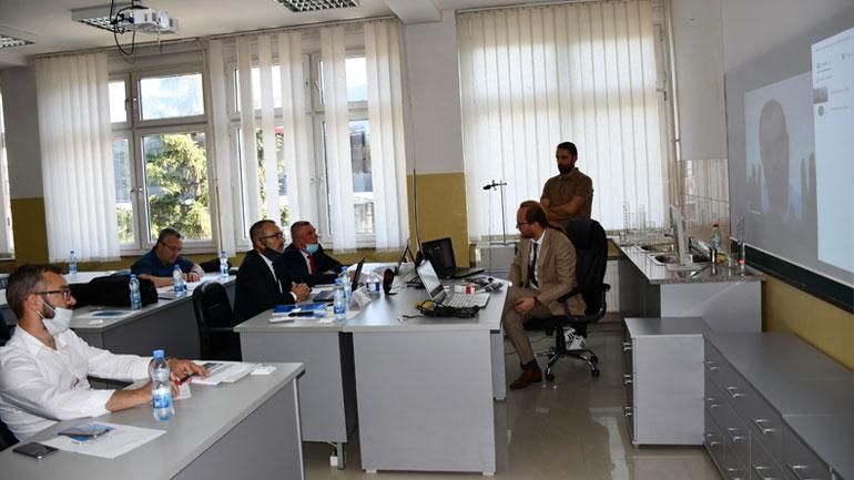 U mbajtën takimet me ekspertët ndërkombëtarë për riakreditim