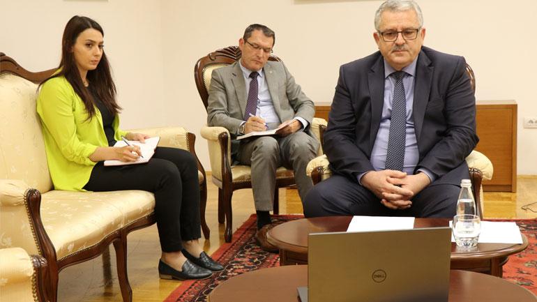 Ministri Veliu, takim virtual me ambasadorin amerikan, Kosnett