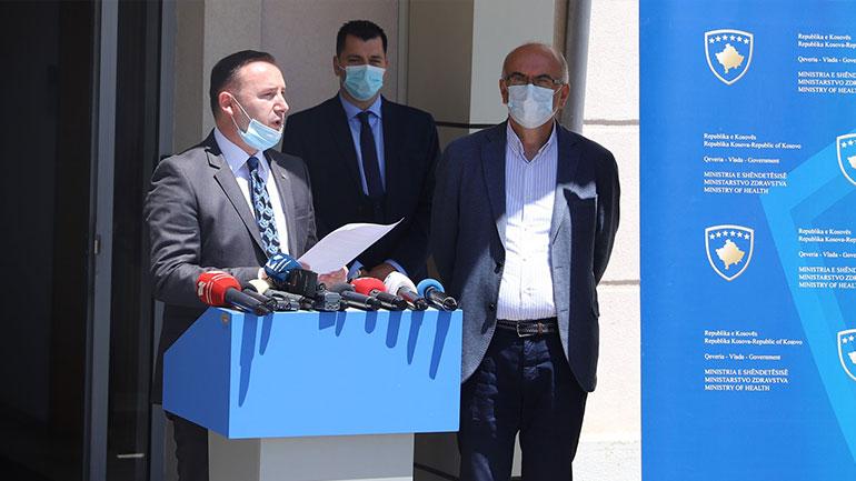 Ministri Zemaj prezantoi Manualin për mbrojtje nga përhapja e virusit COVID-19