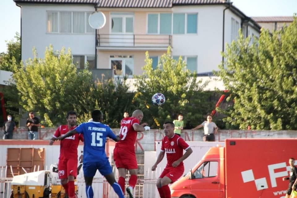 SC Gjilani triumfon ndaj Prishtinës, ndeshje e tensionuar dhe me ndërhyrje policore