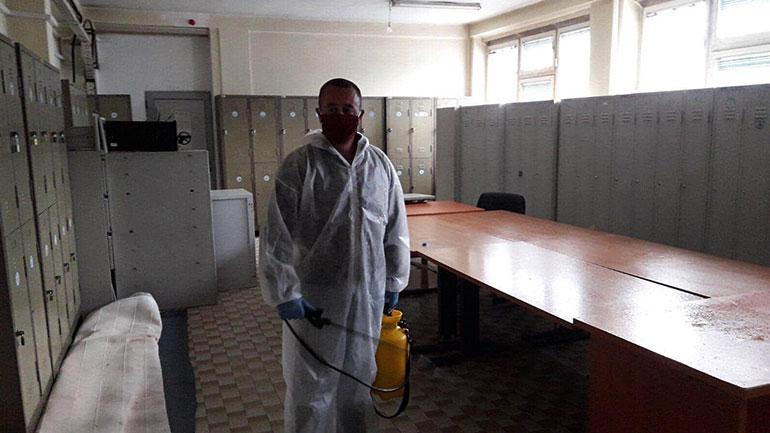 Dezinfektohen hapësirat e policisë në Viti dhe të disa familjeve të prekura me COVID-19