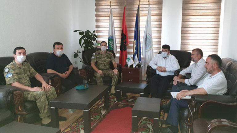 Këshilli i Bashkësisë Islame në Gjilan priti ne takim lamtumirës Komandantin e LMT-së Balik