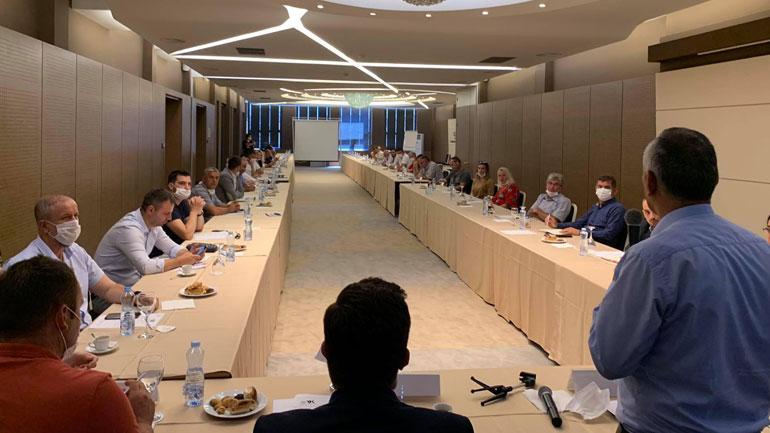 Bizneset dhe Ministri Mustafa diskutojnë për sfidat