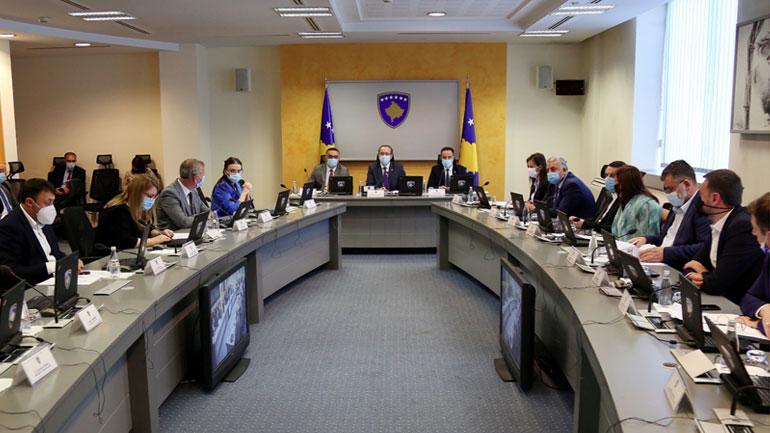 Qeveria merr vendim për masa të reja për mbrojtjen nga pandemia COVID-19