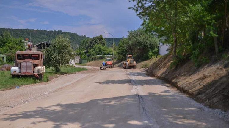 """Fillon rregullimi i rrugës alternative """"Nënë Tereza"""" në Kamenicë"""