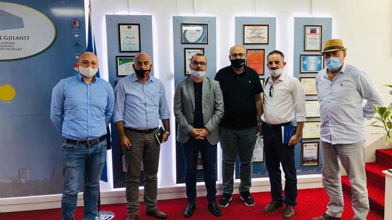 Nënkryetari Ismajli takon përfaqësuesit e Shoqatës së Transportuesve dhe menaxhmentin e Stacionit të Autobusëve