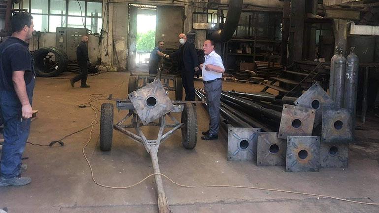 Kryetari Haliti vizitoi kompaninë për prodhime metalike VINEX