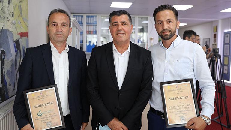 Kryetari Haziri nderon me mirënjohje për solidaritet, vëllezërit Zymberi që jetojnë dhe veprojnë në Zvicër