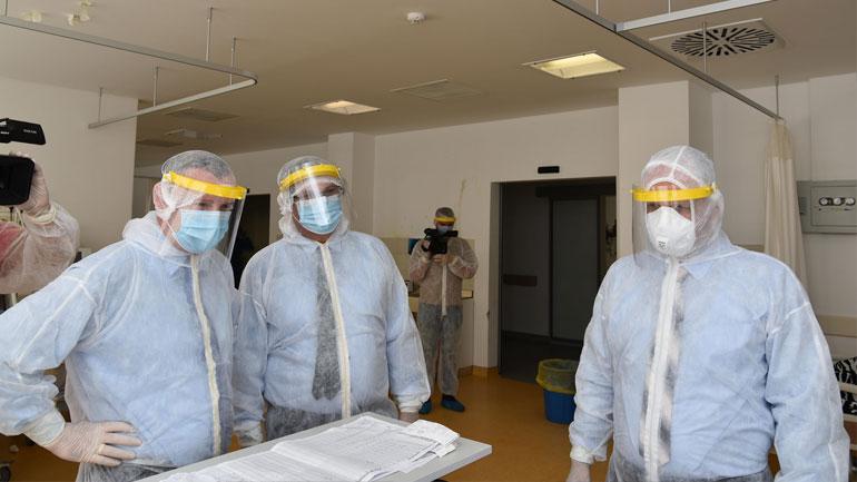 Ministri Zemaj dhe drejtori Krasniqi vizituan Mjekimin Intensiv Qendror në QKUK