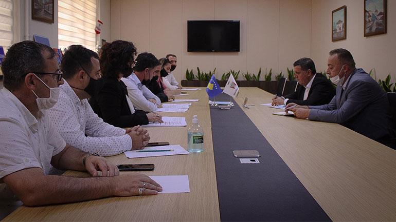 Kryetari Haziri takon task-forcën për përgatitjen e vitit të ri shkollor 2020/21