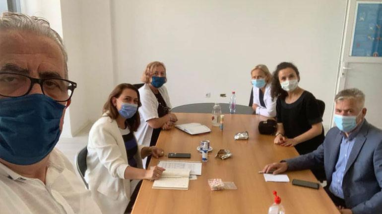 Drejtoresha Zajmi-Krasniqi takohet me ekipën e Shtabit Emergjent të Gjilanit