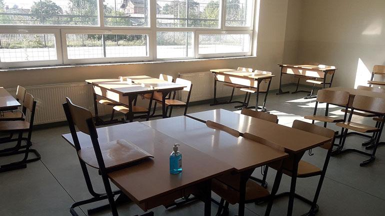 MSH diskuton masat e reja me kryetarët e komunave, shkollat nuk pritet të hapen deri më 26 shtator