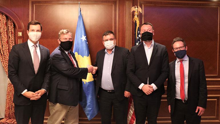 Ministrat Kuçi dhe Abrashi diskutuan për projektet e Marrëveshjes së 4 shtatorit me ekipin e DFC-së