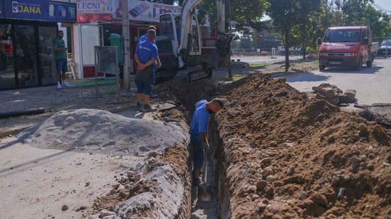 Kastrati: Vazhdojnë punimet në bulevard, instalohet infrastruktura nëntokësore