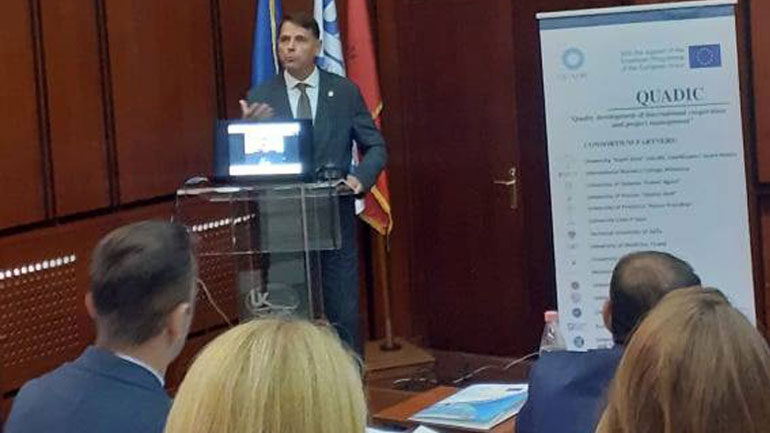 """Universiteti """"Kadri Zeka"""" pjesëmarrëse në tryezën e rrumbullakët në Korçë"""