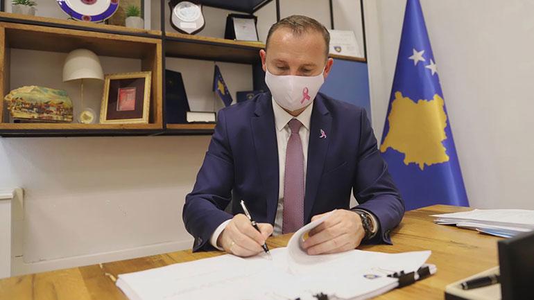 Ministri Zemaj nënshkruan edhe tre udhërrëfyes të tjerë klinikë