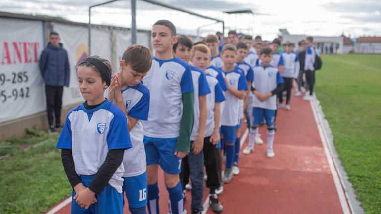 Shpërblehen me kupa dhe medalje grupmoshat e KF Dardana, kampionët U13-Fatosët dhe nënkampionët U17-Kadetët