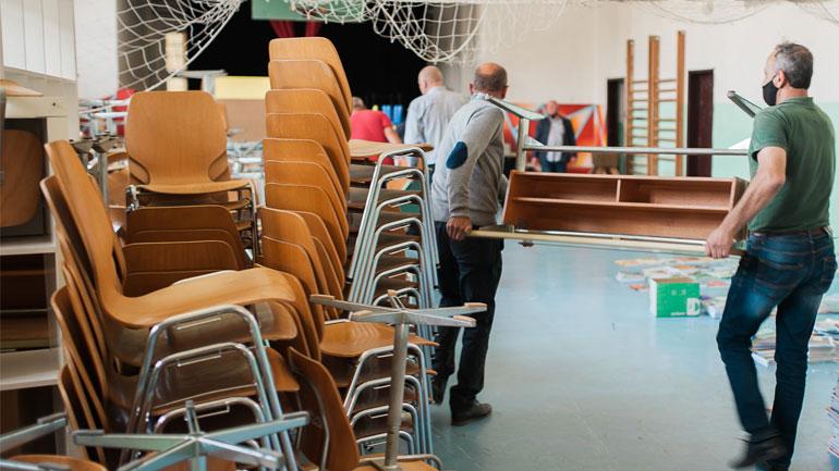 """Shkollat """"Gemeindeschule Lachen"""" dhe """"Dornach"""" dhurojnë pajisje teknologjike dhe inventar për shkollat e Kamenicës"""