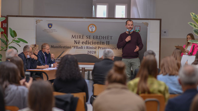 """Mbahet manifestimi letrar """"Flladi i Rinisë Pranverore Letrare"""" në Kamenicë"""