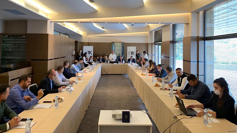 OAK i drejtohet deputetëve: Bashkohuni për mbijetesën e biznesit dhe qytetarëve