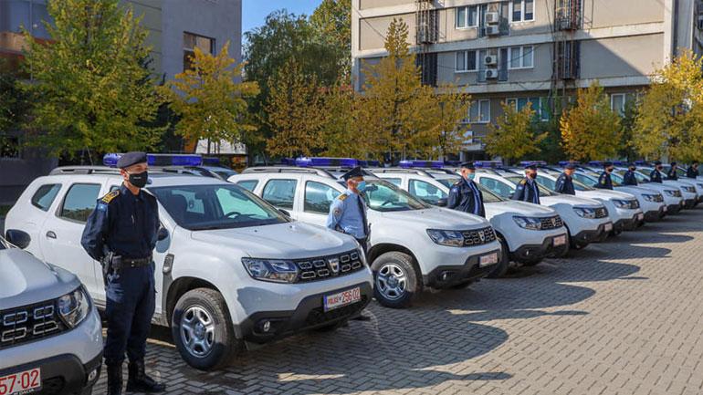 Policia e Kosovës pranoi një donacion prej 15 veturave