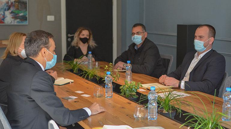 """Kryetari Kastrati pret në takim përfaqësues të projektit """"AQH"""""""