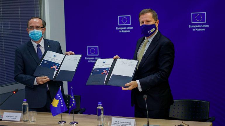 Hoti dhe Szunyog nënshkruan kontratën e përkrahjes buxhetore prej 26.5 milionë euro