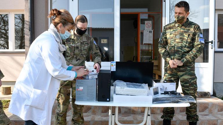 KFOR-i dhuron pajisje mjekësore në Qendrën Shëndetësore  në Veri të Kosovës
