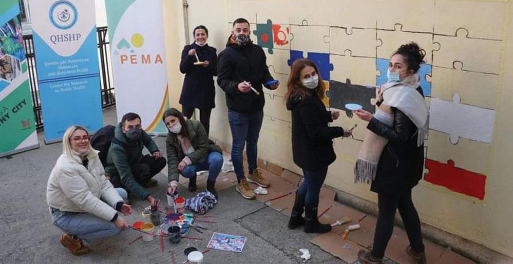 """""""Painting a Healthy City"""" me mural për ruajtjen e shëndetit publik"""