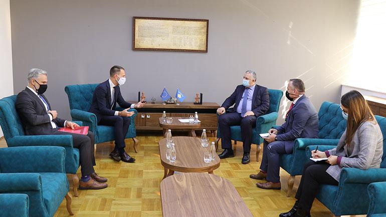Komuniteti i Transportit i ofron përkrahje Kosovës për sigurinë në trafikun rrugor