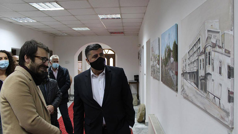 """Haziri: Përmes ekspozitës """"Gjilani n'retro"""", është kthyer memoria se si ka qenë qyteti para 50 vjetësh"""