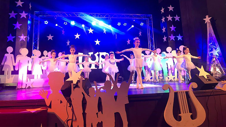 """Në Gjilan u mbajt Festivali i Këngës për Fëmijë """"LYRA"""""""