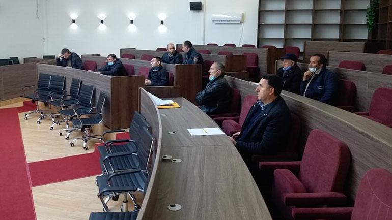 U mbajt diskutim publik me kryetarët e këshillave të fshatrave