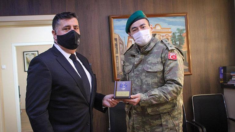 Kryetari Haziri pret në takim komandantin e ri të KFOR'it turk