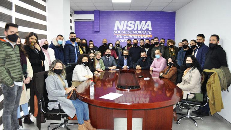 Nisma në Gjilan po rritet, kandidatët e saj për deputetë po e marrin mbështetjen edhe nga të rinjtë