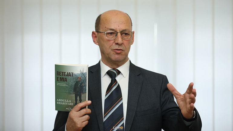 "Promovohet libri ""Betejat e mia"" i autorit Abdulla Shasivari"
