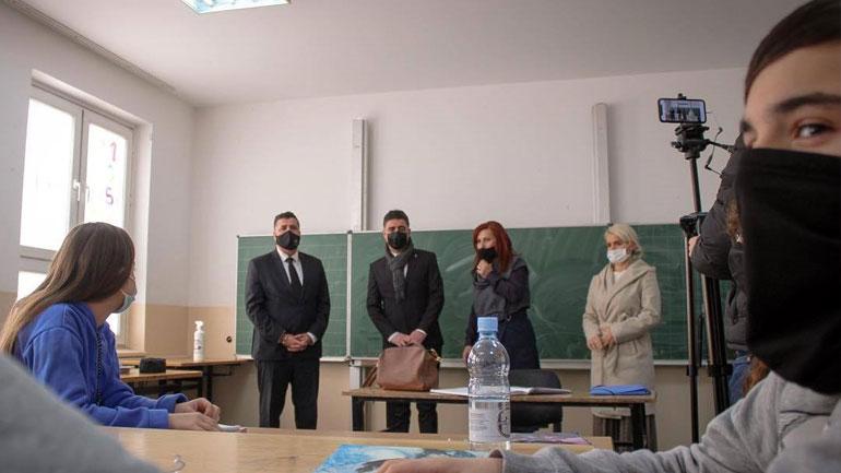 Në dy javët e para, asnjë rast i infeksionit me COVID-19 në shkollat e Gjilanit