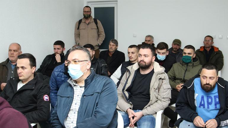 Vetëvendosje: Mbështetje masive në fshatin Zhegër