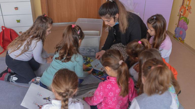 """Shkolla nga Dornach dhuron lodra LEGO për parashkollorët e ShFMU""""Dëshmorët e Kombit"""""""