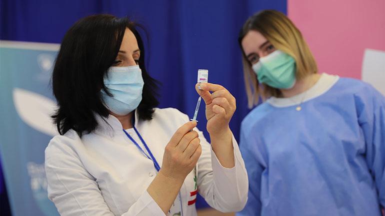 MSH me njoftim për qytetarët ( e moshuar) rreth vaksinimit kundër COVID-19