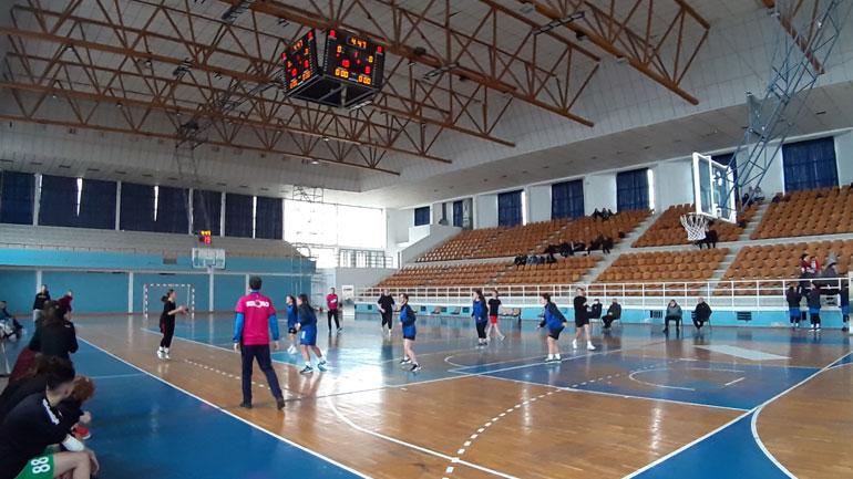 """Vajzat e Gjimnazit Natyror """"Xhavit Ahmeti"""" kampione të Kosovës në basketboll"""