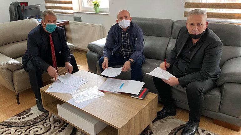 Fondacioni Kosovë-Luksemburg mbështet komunitetin dhe investon në shkollën e fshatit Smirë