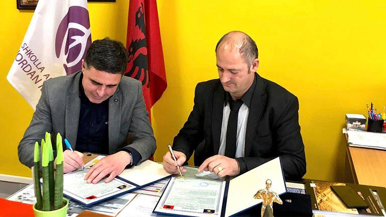 Gjilani dhe Tirana nënshkruajnë marrëveshje binjakëzimi për shkollat e artit